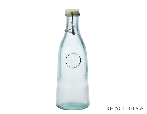 ヴィンテージ風なリサイクルガラスのウォーターボトルラムネの瓶のような淡いグリーンブルーでそのまま置いておくだけでもお洒落 \クーポン配布中 リサイクルガラス 新商品 ボテラオーセンティックボトル950cc 容量950cc 高28cm ガラス製 保存ボトル ラムネ瓶 アンティーク風 エコ ECO SALE開催中 インテリア 雑貨 trysケ RecyleGlass スペイン
