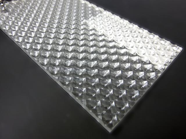 アクリル 板 デラプリズム-12M 板厚(3ミリ)-1400mm×1050mm アクリル素材 アクリル板 国産アクリル オーダーカット無料 1枚分