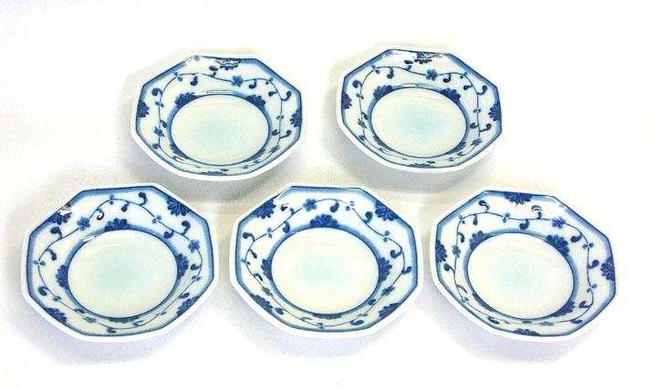 重なりのよい小皿(手塩皿・おてしょ)5枚セットつる小花《岐阜県産の美濃焼》