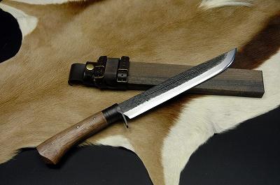 土佐狩猟刀 豊国作9寸 白鋼 黒槌