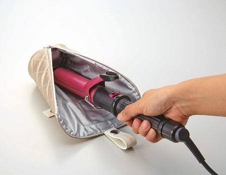 熱いヘアーアイロン一時置き出来る仕様と熱いまま収納できるヘアーアイロン収納ポケットです 内祝い 超定番 すぐに置けるヘアーアイロン収納バッグ