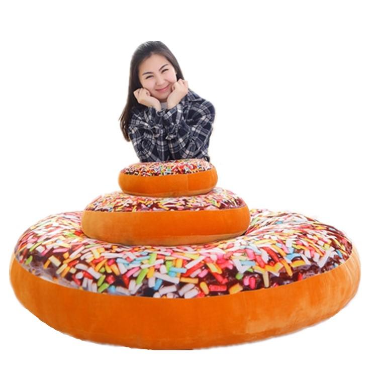 ドーナツ 巨大な甘いスイーツクッション 12種類あり 直径約145センチ 厚さ約32センチ 重さ約20キロ