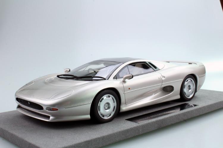 Jaguarジャガー XJ220 silver /Top Marques 1/18 ミニカー