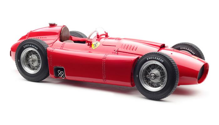 【予約】10月以降発売予定Ferrari D50, 1956 /CMCモデル 1/18 ミニカー