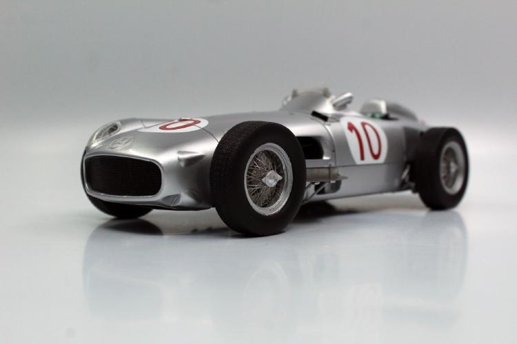 【予約】8月以降発売予定W196 open wheel 1955 Belgian Grand Prix Winner /GPレプリカ 1/18 ミニカー