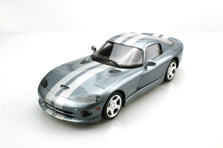 【予約】7月以降発売予定Dodgeダッジ Viper GTS 2000 /Lucky Step Models 1/18 ミニカー
