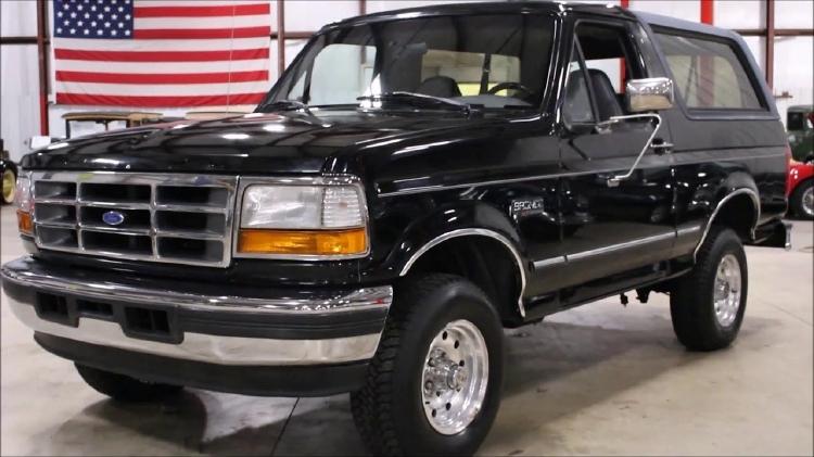 【予約】7月以降発売予定Ford Bronco 1992 黒ブラック /LS Collectibles 1/18 レジンミニカー