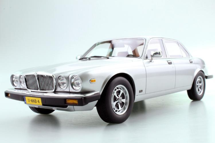【予約】1月以降発売予定Jaguar XJ6 1982 シルバー /LS COLLECTIBLES 1/18 レジンミニカー