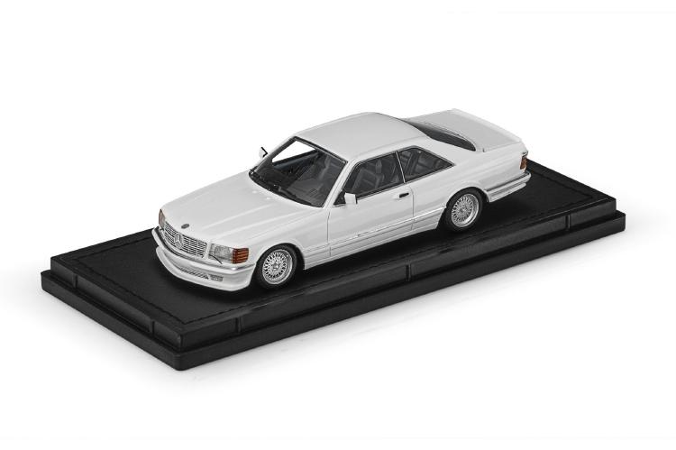 【予約】2021年1月以降発売予定Mercedes /TOPMARQUES ミニカー 560 1987 Lorinser white SEC 1/43