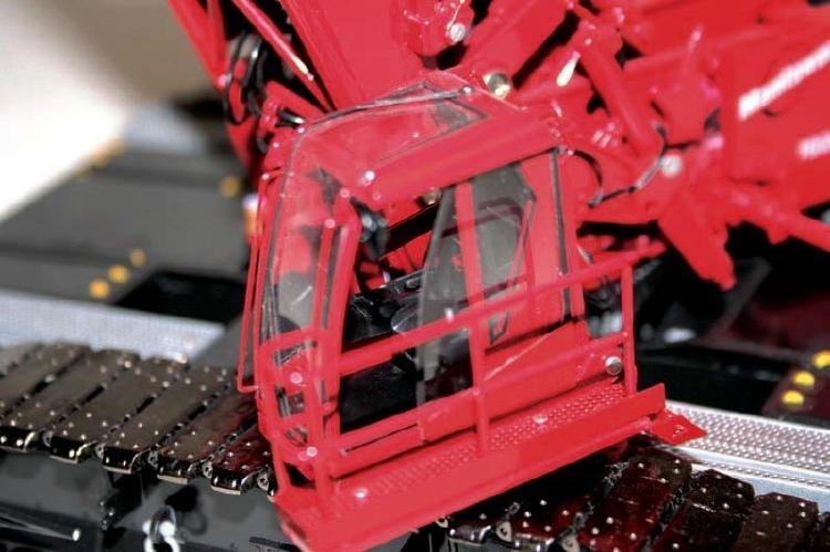 Manitowocマニトワック 16000 Lattice-Boom クローラークレーン 34インチ  /建設機械模型 工事車両 Towsleys 1/50 ミニチュア