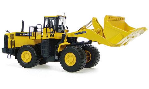 Komatsuコマツ WA600 フロントローダー UniversalHobbiesユニバーサルホビー 建設機械模型 工事車両 1/50 ミニチュア