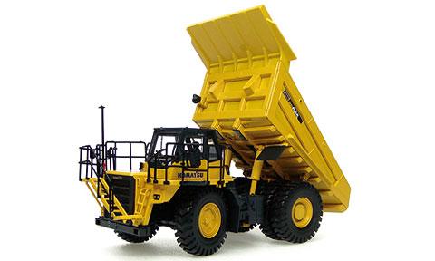 Komatsuコマツ HD605 Off-Highway Mining Truckダンプトラック UniversalHobbiesユニバーサルホビー 建設機械模型 工事車両 1/50 ミニチュア