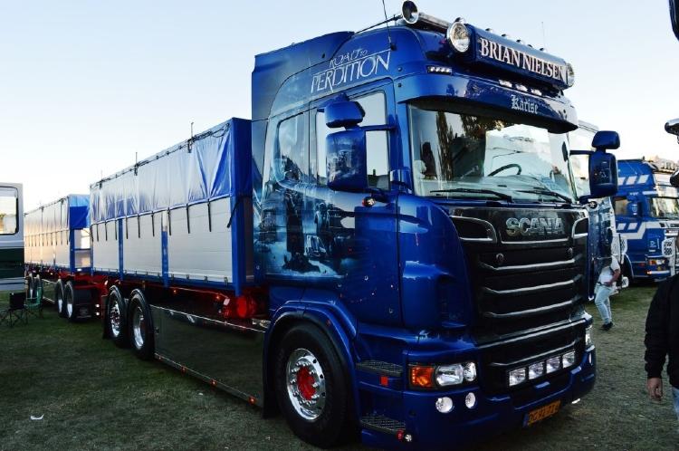 【予約】2019年4-6月以降発売予定Scania Highline rigid truck with trailerトラック /建設機械模型 工事車両 TEKNO 1/50 ミニチュア