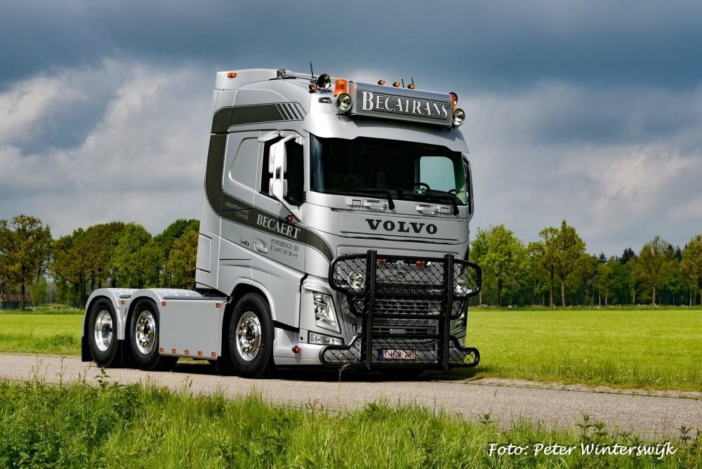【予約】4-6月以降発売予定Becatrans Volvo FH04 6x2 Globetrotterトラクタ 建設機械模型 工事車両 TEKNO 1/50 ミニチュア