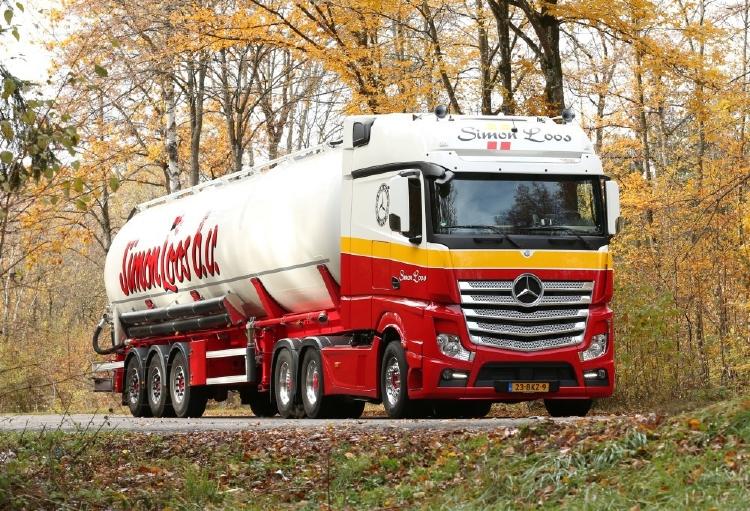 【予約】2019年8-10月以降発売予定Loos, Simon メルセデスアクトロス zamac silo trailer - Special Edition 1000th メルセデス・ベンツSimon Loos トラック /建設機械模型 工事車両 TEKNO 1/50 ミニチュア