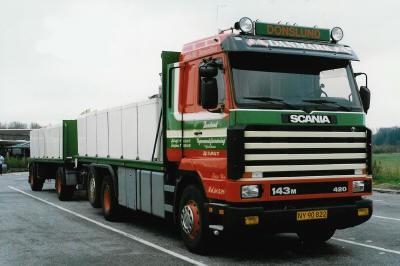 【予約】2019年4-6月以降発売予定Scania 3-serie Streamline rigid truck with trailer for fish transportトラック /建設機械模型 工事車両 TEKNO 1/50 ミニチュア