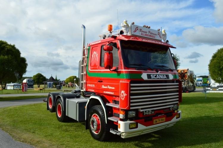 【予約】10-12月以降発売予定Petersen, Ronnie Scania 2-serie 6x2トラック トラクタヘッド/建設機械模型 工事車両 Tekno 1/50 ミニチュア