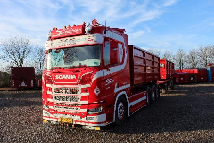 【予約】10-12月以降発売予定Sejer en Sonnichsen Scania NGS R-serie Highline rigid truck with hookarm container + trailerトラック/建設機械模型 工事車両 Tekno 1/50 ミニチュア