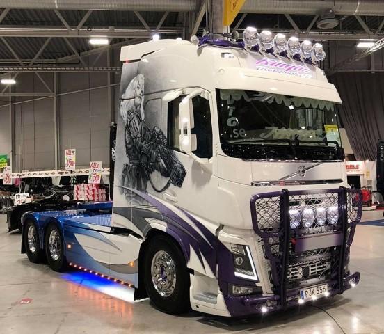 【予約】2019年10-12月発売Kinghs Transport Volvo FH04 Globetrotter XL トラック トラクタ/建設機械模型 工事車両 TEKNO 1/50 ミニチュア
