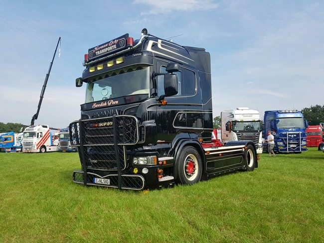 【予約】2017年4-6月以降発売予定Norman Lichy Transporte SCANIAスカニア R Highlineトラック トラクタヘッド /WSI 建設機械模型 工事車両 1/50 ミニチュア