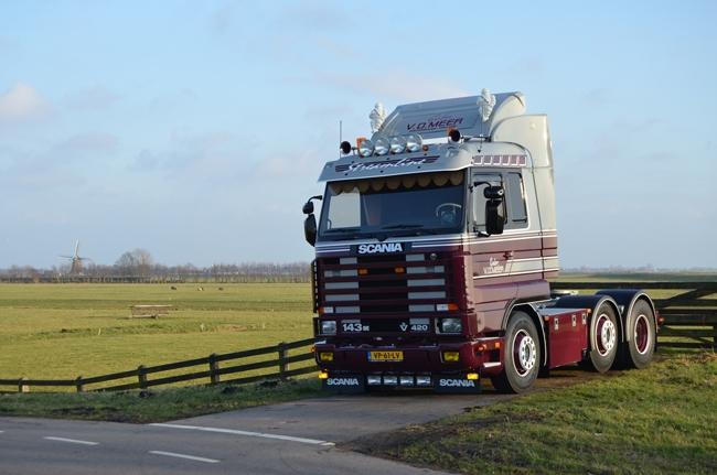 【予約】10-12月以降発売予定Gebr van der Meer Scaniaスカニア 113/143 Streamline Topline トラック トラクタヘッド 建設機械模型 工事車両 WSI 1/50 ミニチュア
