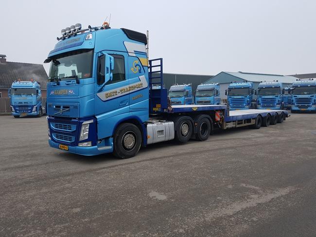 【予約】10-12月以降発売予定Smit Transport Volvoボルボ FH4 Globetrotter Semi Lowloader 4軸トラック 建設機械模型 工事車両 WSI 1/50 ミニチュア