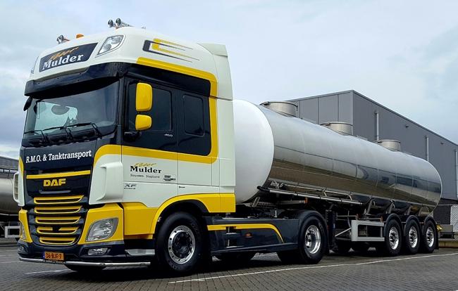 【予約】2018年1-3月以降発売予定Peter Mulder DAF XF SSC Tanker Liquid 3軸トラック 建設機械模型 工事車両 WSI 1/50 ミニチュア