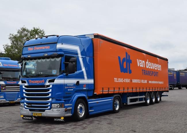 【予約】4-6月以降発売予定Van Deuveren Transport Scaniaスカニア Streamline Topline カーテンサイダートレーラー3軸トラック 建設機械模型 工事車両 WSI 1/50 ミニチュア