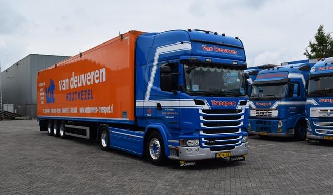【予約】2018年1-3月以降発売予定Van Deuveren Scaniaスカニア Streamline Topline Cargo Floor 3軸トレーラー 建設機械模型 工事車両 WSI 1/50 ミニチュア