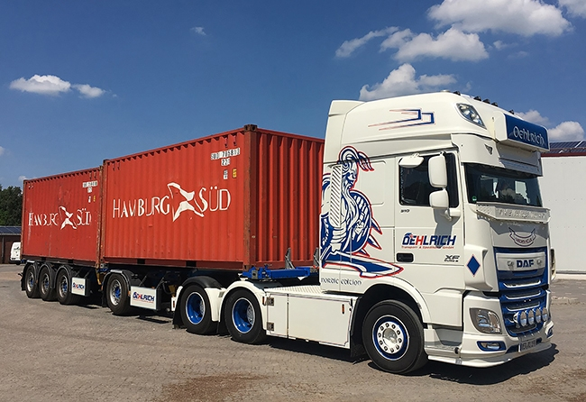 【予約】4-6月以降発売予定Oehlrich DAF XF SSC Broshuis 2-Connect Container Chassis + 2x 20ft Containerトラック 建設機械模型 工事車両 WSI 1/50 ミニチュア