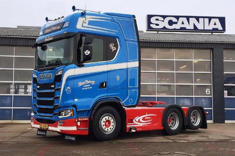 【予約】2019年6-8月以降発売予定Bjarne Pedersen SCANIA S HIGHLINE CS20H 6x2 TAG AXLE トラック トラクタ/建設機械模型 工事車両 WSI 1/50 ミニチュア