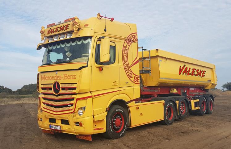 【予約】2019年1-3月以降発売予定Valeske MERCEDES BENZ ACTROS MP4 BIG SPACE 6x2 TAG AXLE HALF PIPE TIPPER TRAILER - 2軸トラック /建設機械模型 工事車両 WSI 1/50 ミニチュア