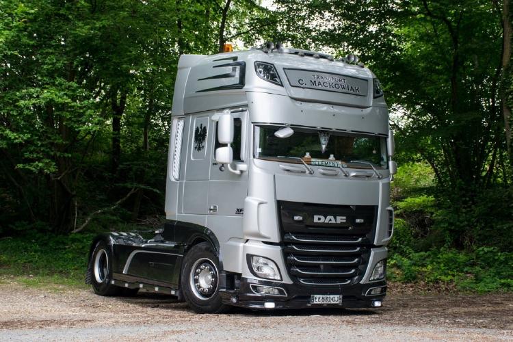 【予約】12月以降発売予定Mackowiak DAF XF SUPER SPACE CAB 4x2 トラック トラクタ 建設機械模型 工事車両WSI 1/50 ミニチュア