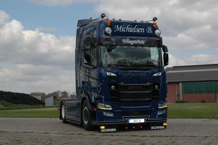 【予約】2020年1-3月以降発売予定Bas Michielsen SCANIA R HIGHLINE CR20H 4x2 トラック トラクタヘッド/建設機械模型 工事車両 WSI 1/50 ミニチュア