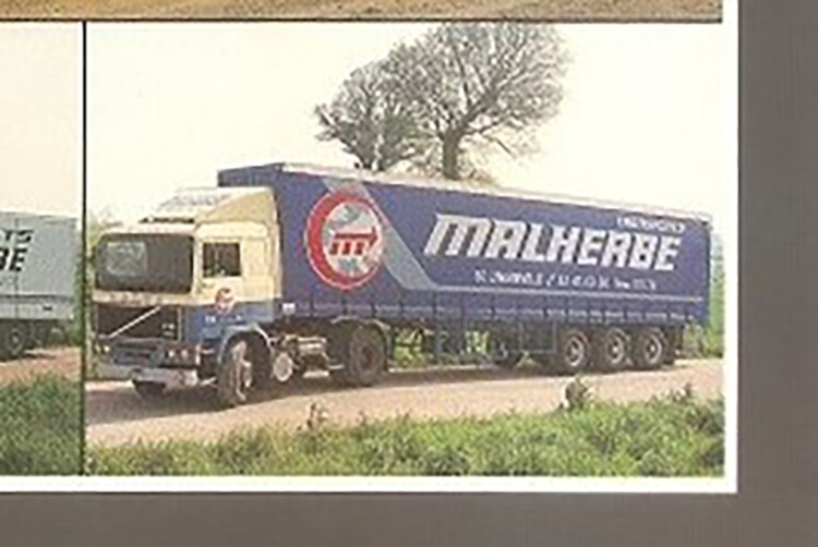 工事車両 3軸トラック CURTAINSIDE /WSI 4X2 【予約】2021年1-3月以降発売予定Malherbe ミニチュア 1/50 建設機械模型 F12 VOLVO TRAILER