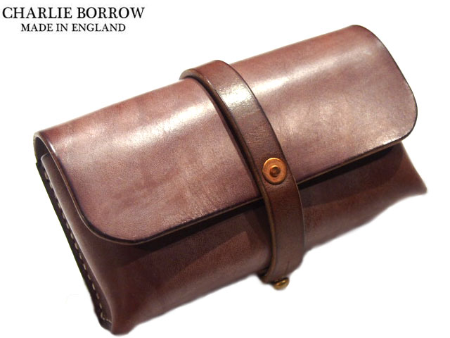 CHARLIE BORROW (チャーリー・ボロウ)/OAK BARK TANNED LEATHER x HAND STITCH TRAVEL POUCH/MADE IN ENGLAND/dark stain