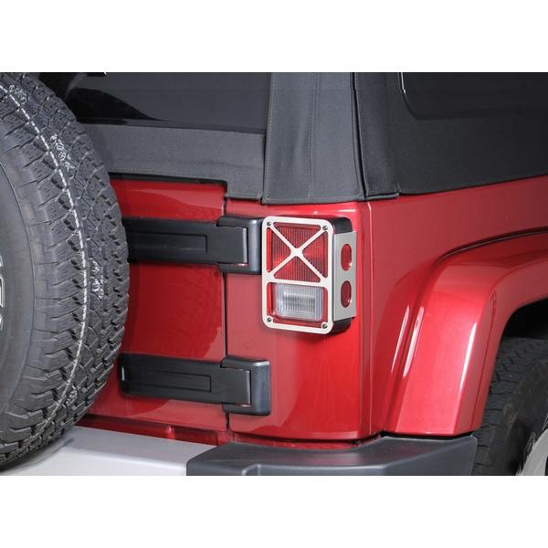 ジープ ラングラー Jeep Wrangler ジープJKラングラー/ジープJKラングラー アンリミテッド 【送料無料】 DV8オフロード テールライトガード ポリッシュ ラングラー カスタム パーツ