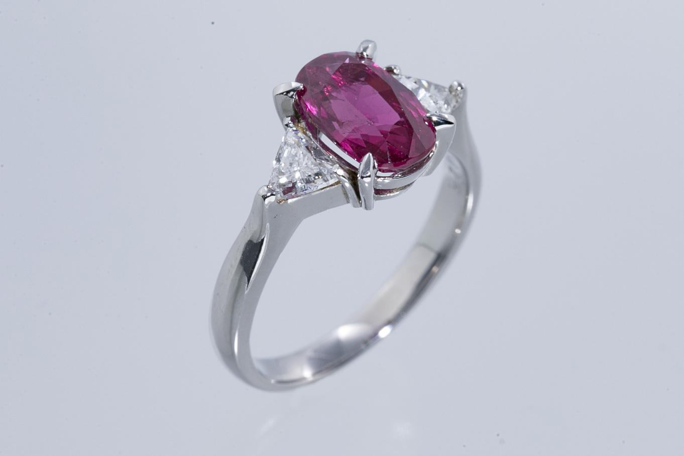 ルビー・ダイヤモンド リング 指輪 Pt900 ルビーR2.493ct ダイヤトータルD0.425ct 美品 11.5号サイズ調整5サイズまで無料 鑑別書付 送料無料 【トレジャースポット】 【中古】