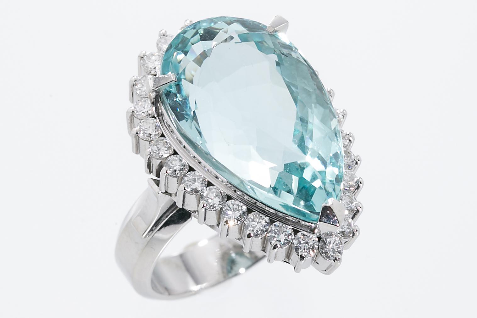 アクアマリン・ダイヤモンド リング 指輪 Pt900 アクアマリン15.97ct ダイヤトータルD1.03ct 美品 13号 サイズ調整5サイズまで無料 送料無料 【トレジャースポット】 【中古】