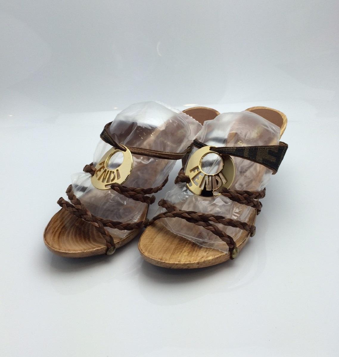 フェンディ FENDI ミュール サンダル サイズ36(日本サイズ約23cm) ブラウン系 ウッド レザー 靴 【トレジャースポット】【中古】