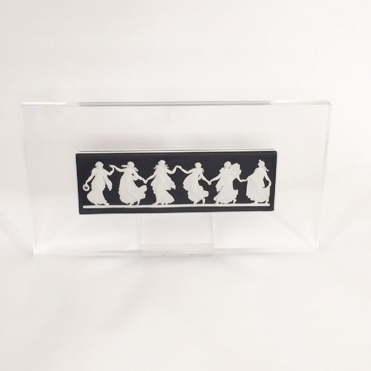 ウェッジウッド WEDGWOOD Dancing Hours Plaque ジャスパー 陶板 ブラック×ホワイト スタンド付き 新品同様品 【トレジャースポット】【中古】