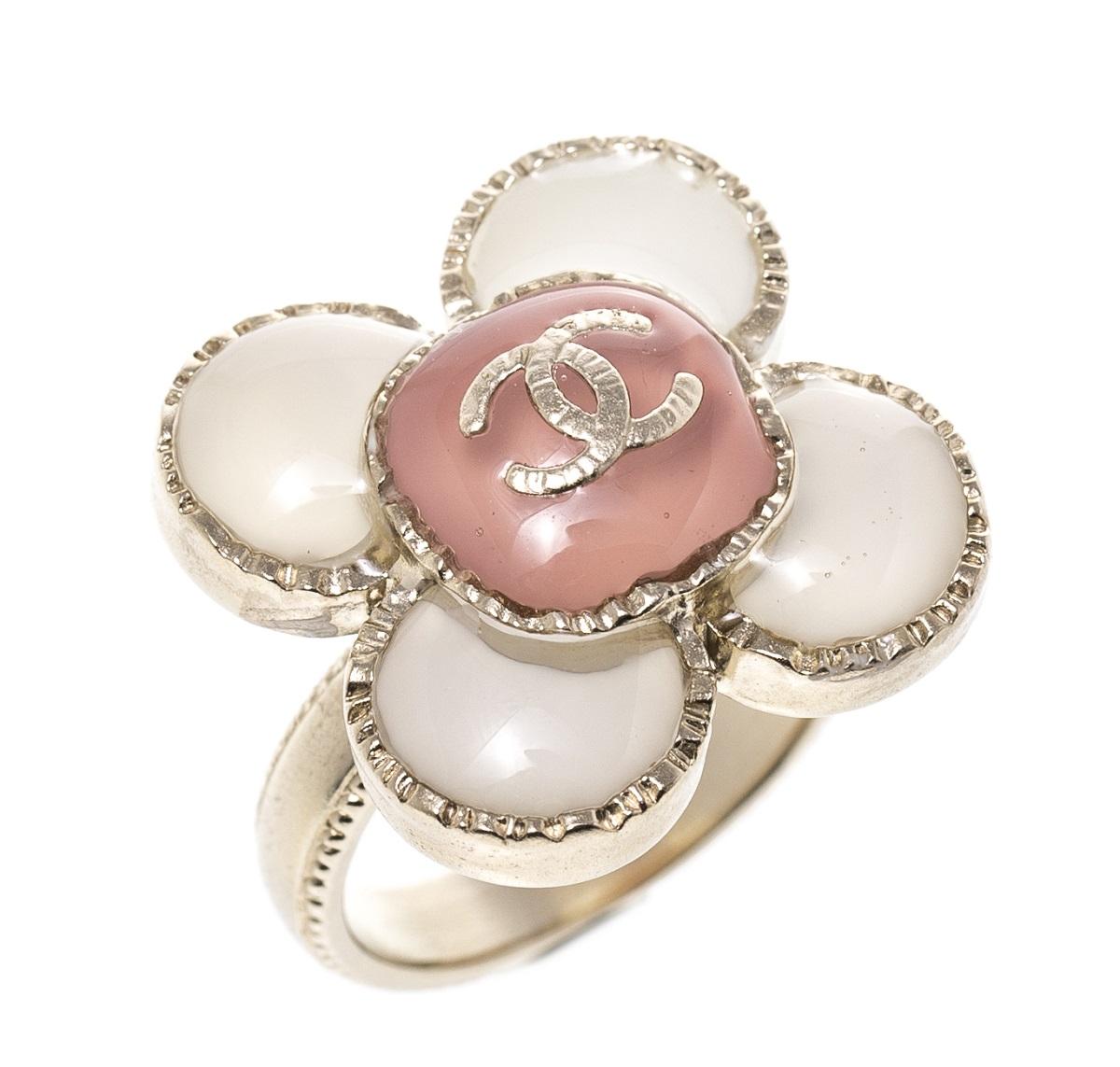 CHANEL シャネル フラワーモチーフリング 指輪 #11.5 ピンク×ホワイト×ゴールド 美品 【トレジャースポット】【中古】