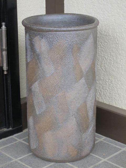 【雨の日特集!】送料無料(沖縄・北海道除外) ( 銅いぶし櫛目 傘立て ) 傘立 陶器 信楽焼 しがらき 画プレゼント