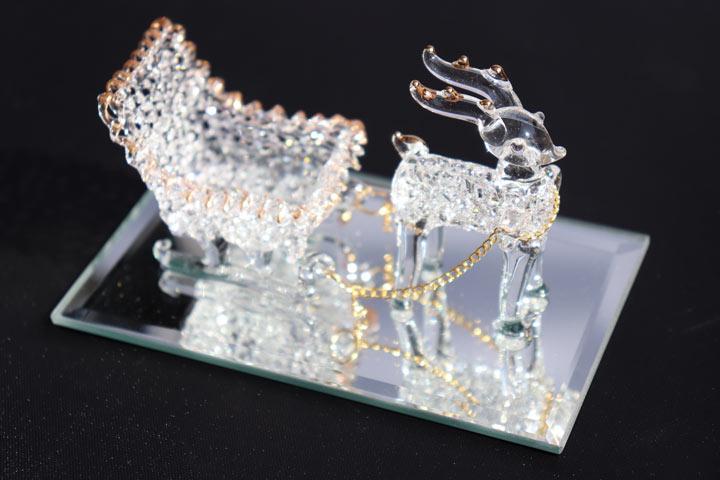 光を受けて表情を変えるガラスのクリスマス クリスマス スパングラス トナカイ そりセット 正規激安 卓上 ミニ ミラー ガラス セール 登場から人気沸騰