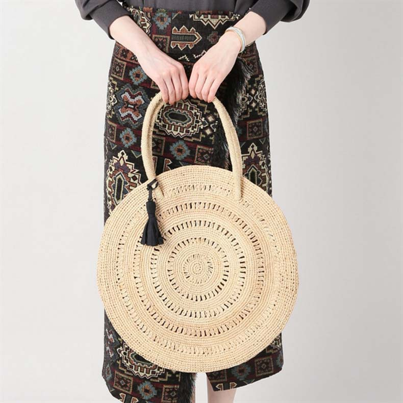 755e89f79a90 (イウハ) there is IUHA raffia plonk  trip to round round shape raffia bag tote  bag light weight light rush Lady s nature material judo worth nature trees  ...