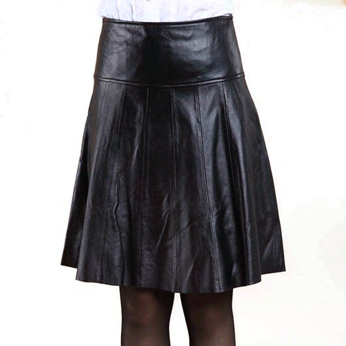 スカート フレアスカート ラムレザースカート 本革レザー スカート レディース スカート レディース ボトムス ふんわり広げる 膝丈 柔らかな 本革 皮スカート 裾切りっぱなし ショートスカート ブラック