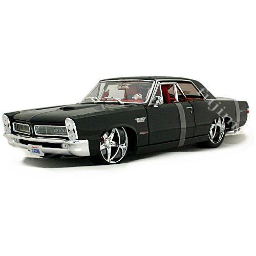 1965 Pontiac GTO Pro Rodz black 1/18 MAISTO 9167円【マイスト タテ目 黒 ポンティアック マッスルカー ミニカー】【コンビニ受取対応商品】