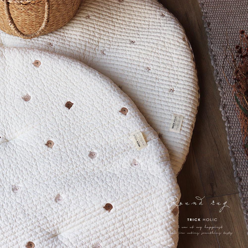刺繍ブランケットとコーデOK! プレミアムイブル 星月 くまの刺繍ラウンドマット 星月 クマ TRICK HOLIC トリックホリック