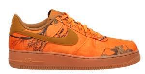 ナイキ メンズ エアフォース1 Nike Air Force 1 LV8 スニーカー Orange Blaze/Wheat/Gum Medium Brown
