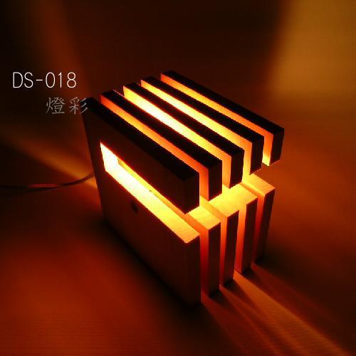 Flames フレイムス フレイムスエルウィッチ スタンドライト テーブルライト 木 インテリア照明 間接照明 おしゃれ かわいい きれい シンプル DS-018N